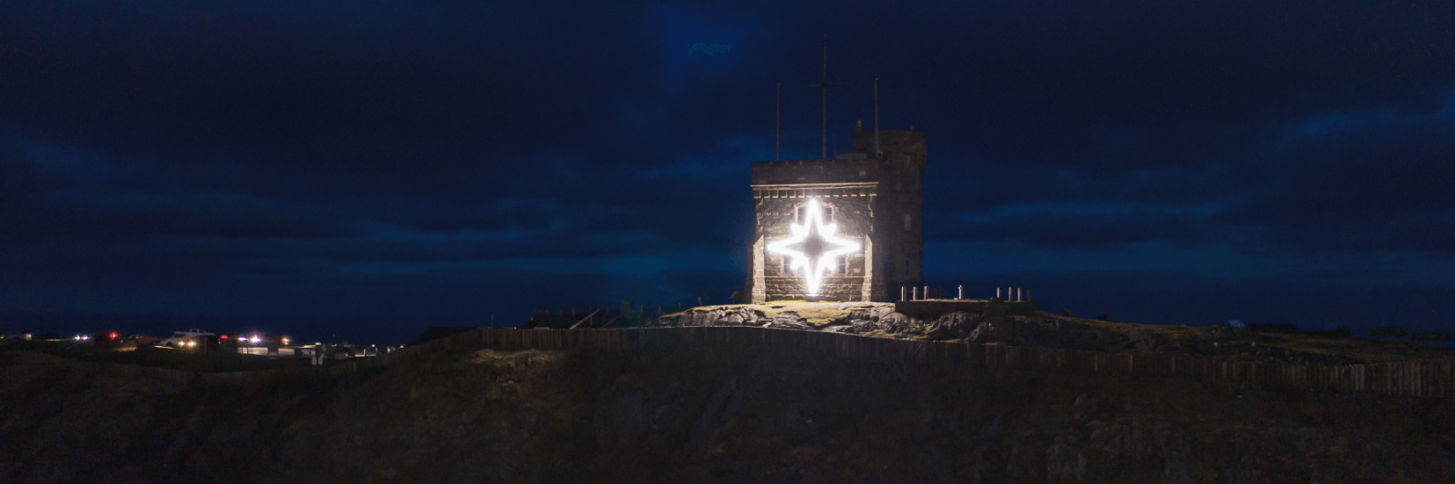 The Signal Hill Star: A Holiday Tradition - image